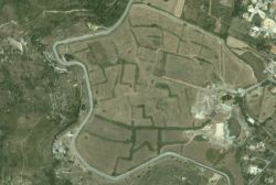 The area of archaeological park in Akrai (google earth.com)